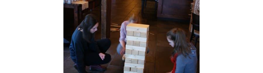 Speel een van de gezelschapspelen in De Heksenboom
